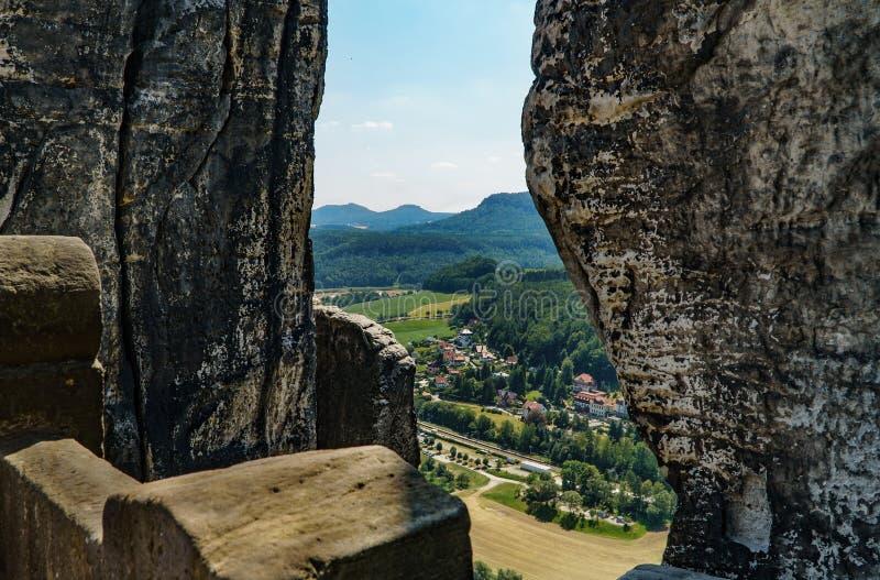 Ландшафт фотографии Crevice в горах design illustration space стоковое изображение