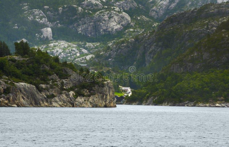 Ландшафты Норвегии Красивые норвежские фьорды стоковая фотография