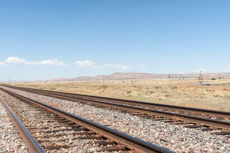Ландшафты равнин Неш-Мексико высокие наряду с трассой 66 стоковая фотография rf