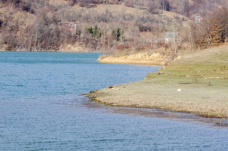 Ландшафт берега озера стоковые фотографии rf