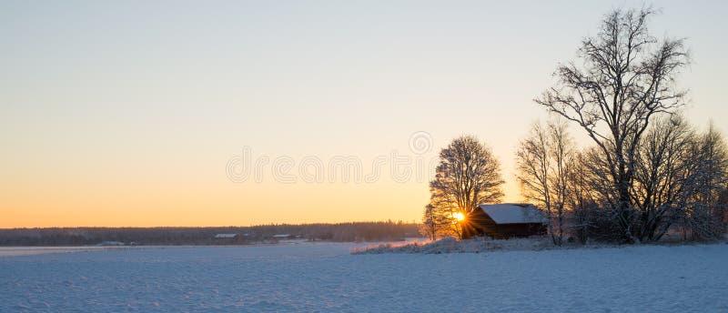 Ландшафт в заходе солнца стоковые изображения rf