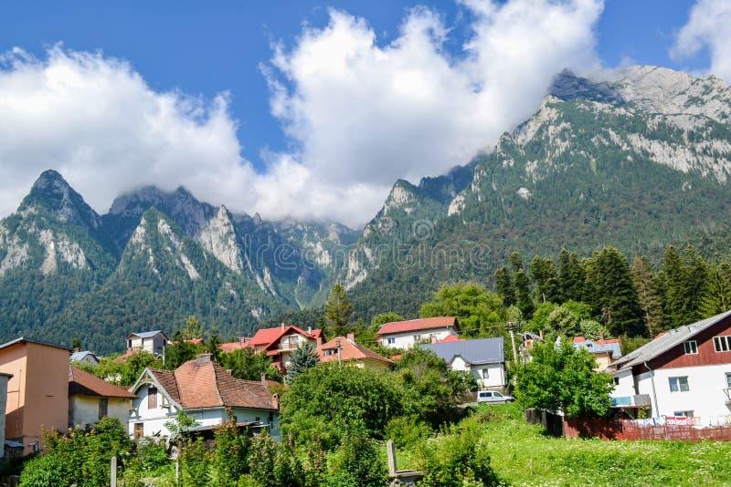 Ландшафт горы в прикарпатских горах стоковое изображение rf