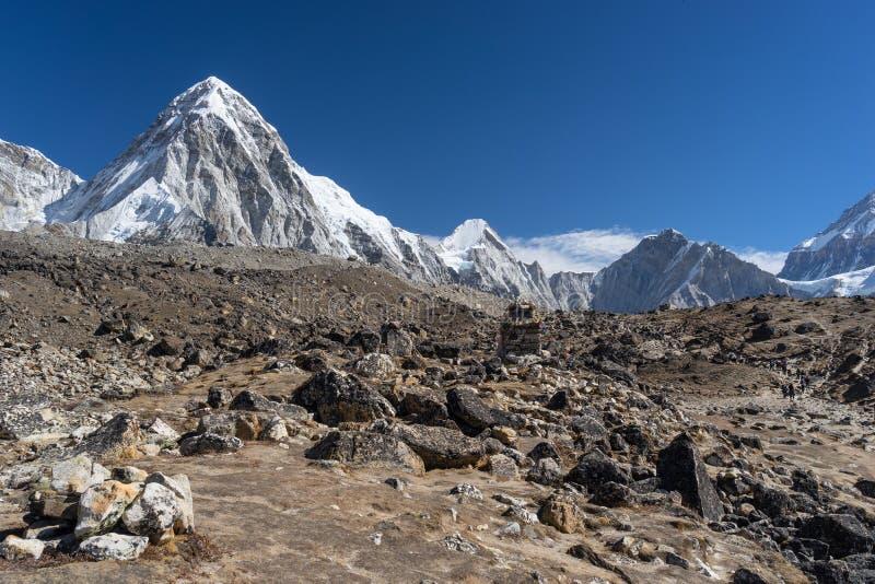 Ландшафт горы Pumori стоковые фото