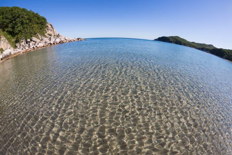 Download Ландшафт лета скалистого морского побережья. Стоковое Изображение - изображение насчитывающей сценарно, baxter: 33731775