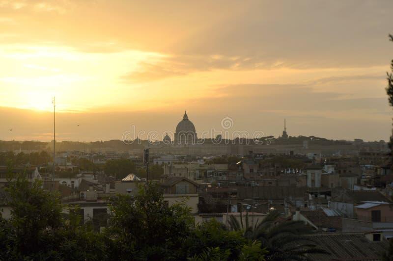 Ландшафт захода солнца крыши Рима стоковая фотография