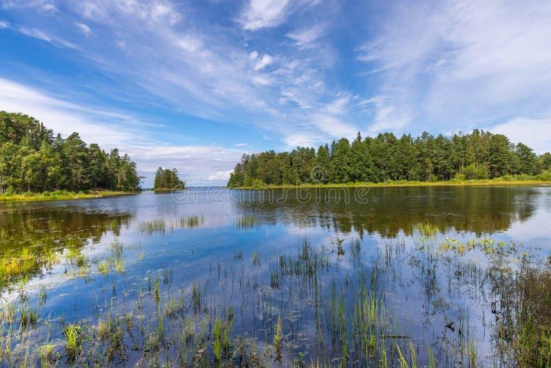 Ландшафт острова Valaam на солнечный день стоковые фотографии rf