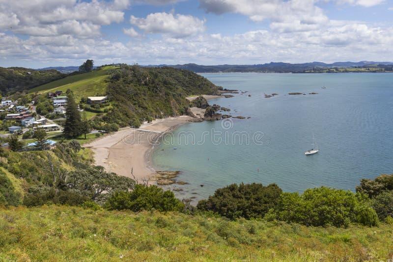 Ландшафт от Рассела около Paihia, залива островов, Новой Зеландии стоковые фотографии rf