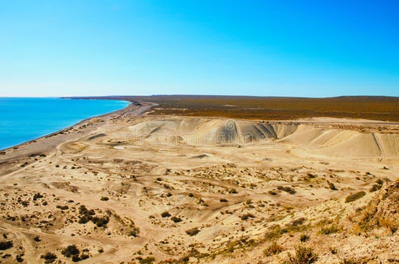 Ландшафт рискованного предприятия на Punta Loma стоковые фотографии rf