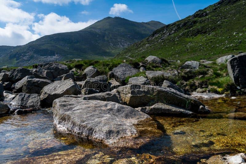 Ландшафт Северной Ирландии, горы Morune стоковая фотография