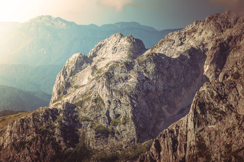 Ландшафт скалистых гор красивый стоковые изображения rf
