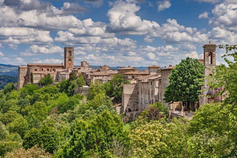 Ландшафт средневекового d'Elsa Colle di Val городка, Тоскана, Ita стоковая фотография