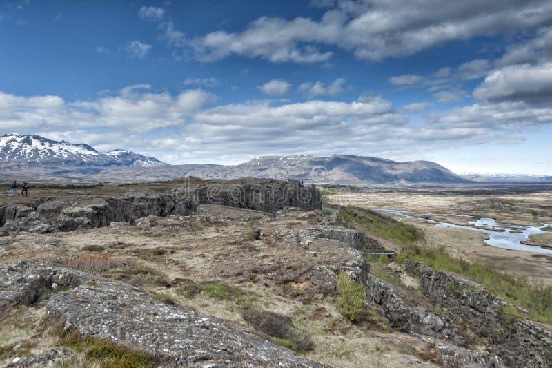 Ландшафт трещиноватости земли Pingvellir Исландии стоковое фото