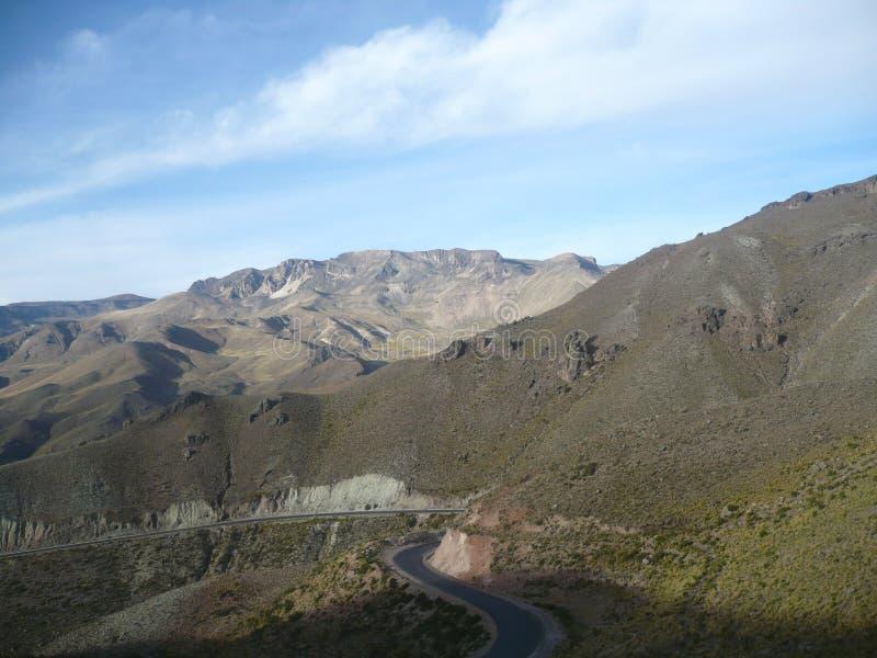 Ландшафт холмов и гор стоковая фотография rf
