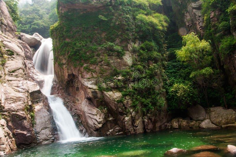 Ландшафт sault chaoyin Qingdao laoshan в Китае стоковые изображения rf