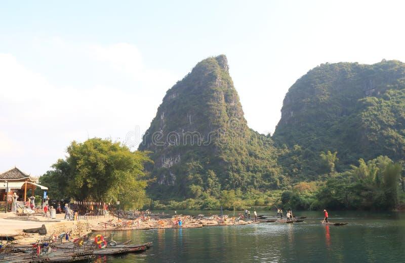 Ландшафт Yangshou Китай горы Karst стоковое фото rf