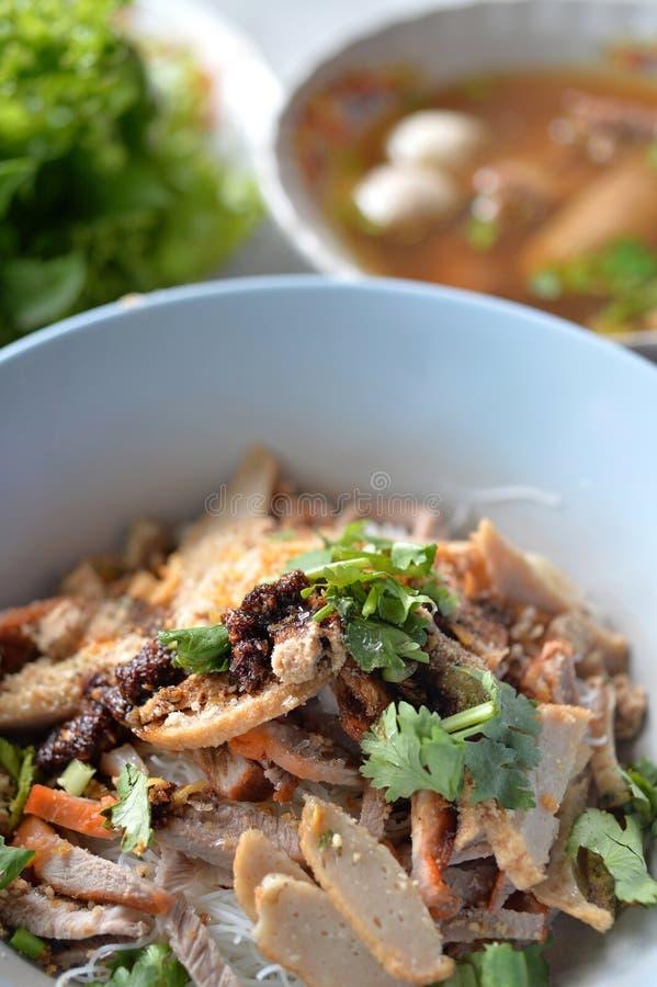 Лапша риса свинины стоковые изображения