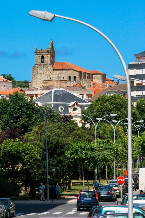 Ларедо, Кантабрия, Испания; 07-23-2010: Изображение удя городка Ларедо стоковое изображение