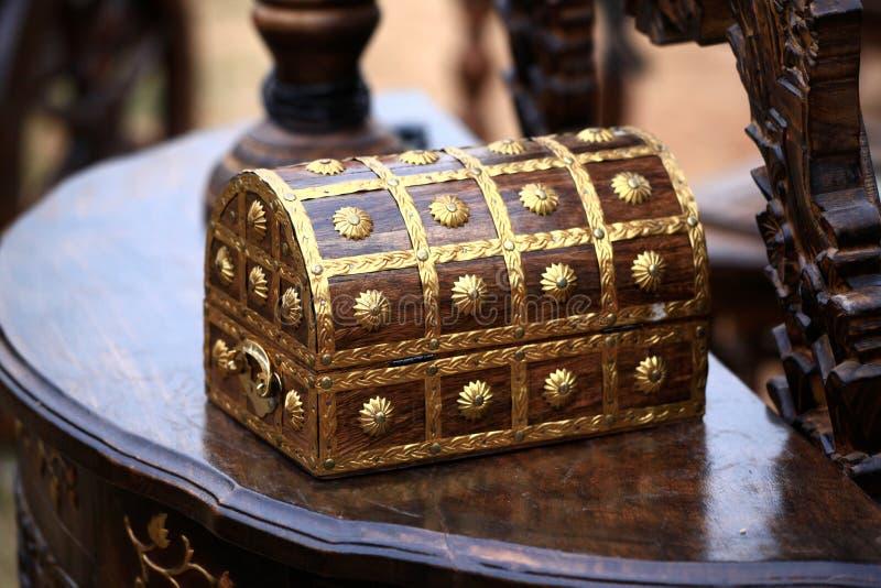 ларец деревянный стоковое фото rf