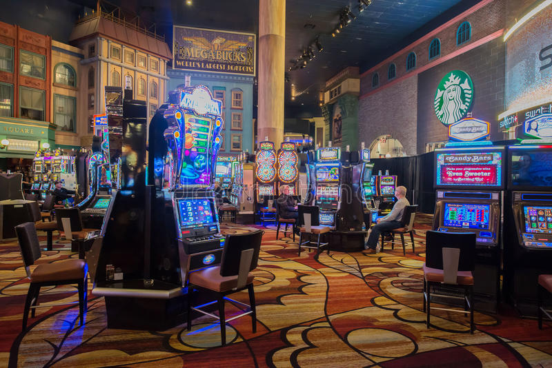Лас-Вегас - 12-ое декабря 2013: Известные казино Лас-Вегас на Decem стоковое фото