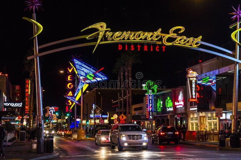 Лас-Вегас - около декабрь 2016: Знак района улицы Fremont восточный с неоновым стеклом i Мартини стоковые изображения rf