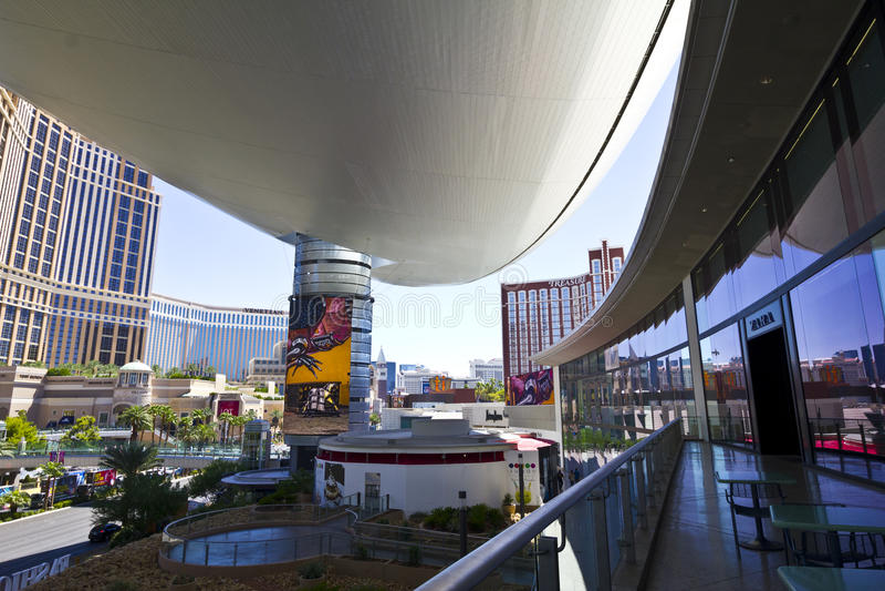 Лас-Вегас - около июль 2016: Взгляд прокладки от мола i модного парада стоковые фотографии rf