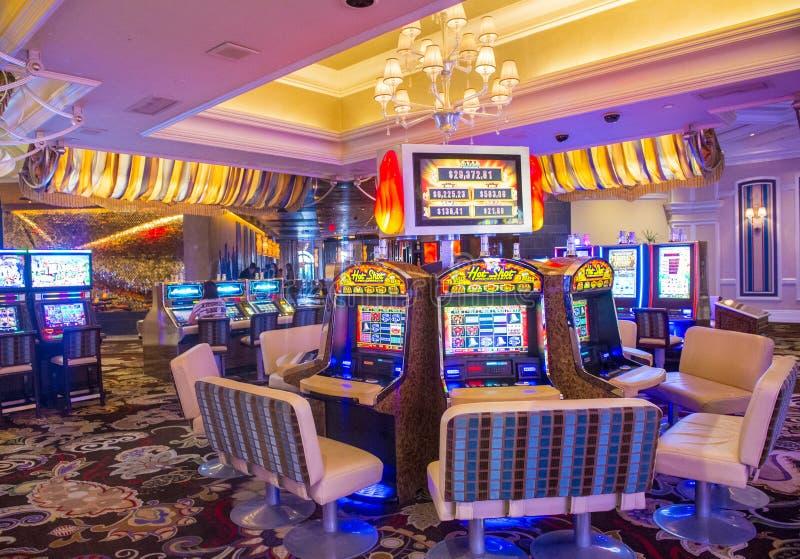 Мегаполис казино лас вегас как играть в сундук в карты правила