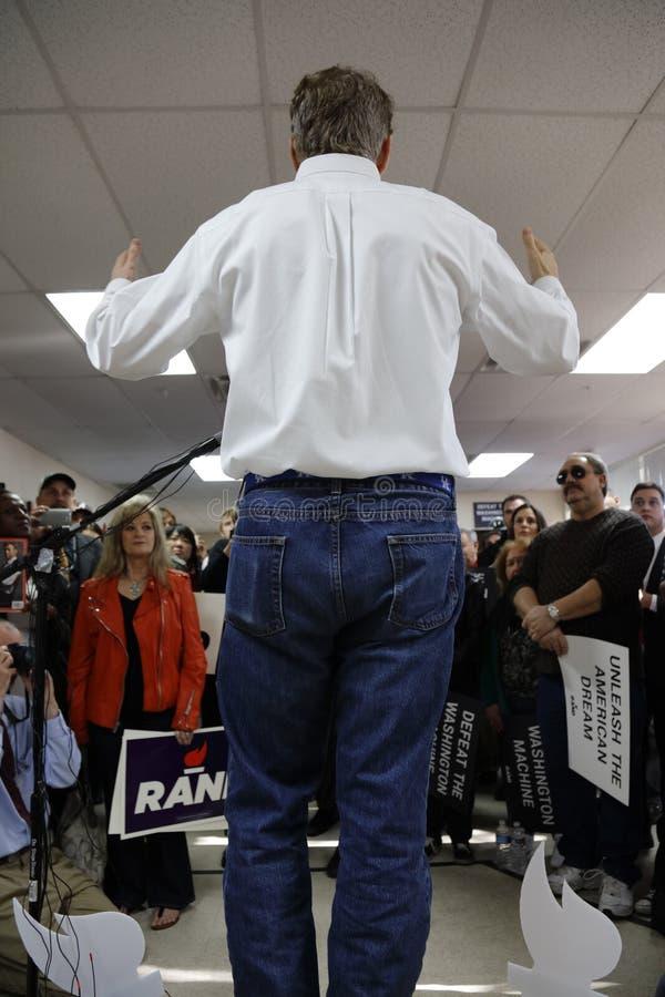 ЛАС-ВЕГАС, NV, 15-ое декабря 2015, задняя сторона ранда Пола кандидата в президенты как он агитирует на офисе t избрания Пола ран стоковое изображение