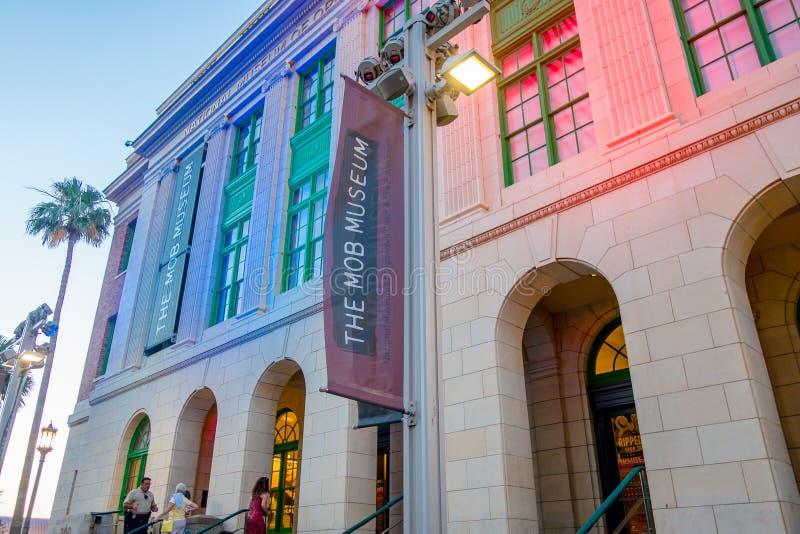 ЛАС-ВЕГАС, NV - 21-ОЕ НОЯБРЯ 2016: Толпа музея, настоящие моменты смелейший и подлинный взгляд удара организованной преступности  стоковые фотографии rf