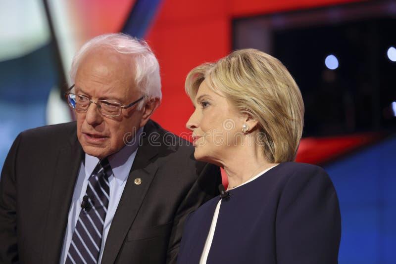 ЛАС-ВЕГАС, NV - 13-ОЕ ОКТЯБРЯ 2015: Дискуссия CNN демократичная президентская отличает сенатором выбранных Шлифовальные приборы B стоковые изображения