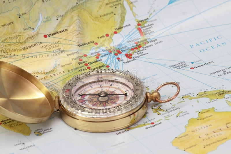 латунный компас самомоднейший стоковые изображения