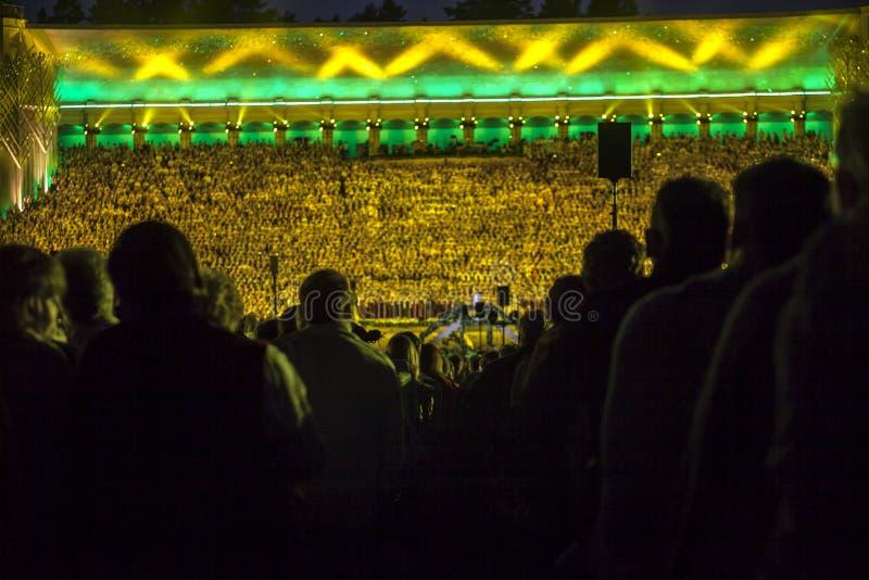 Латышское национальное concer финала фестиваля песни и танца грандиозное стоковые фотографии rf