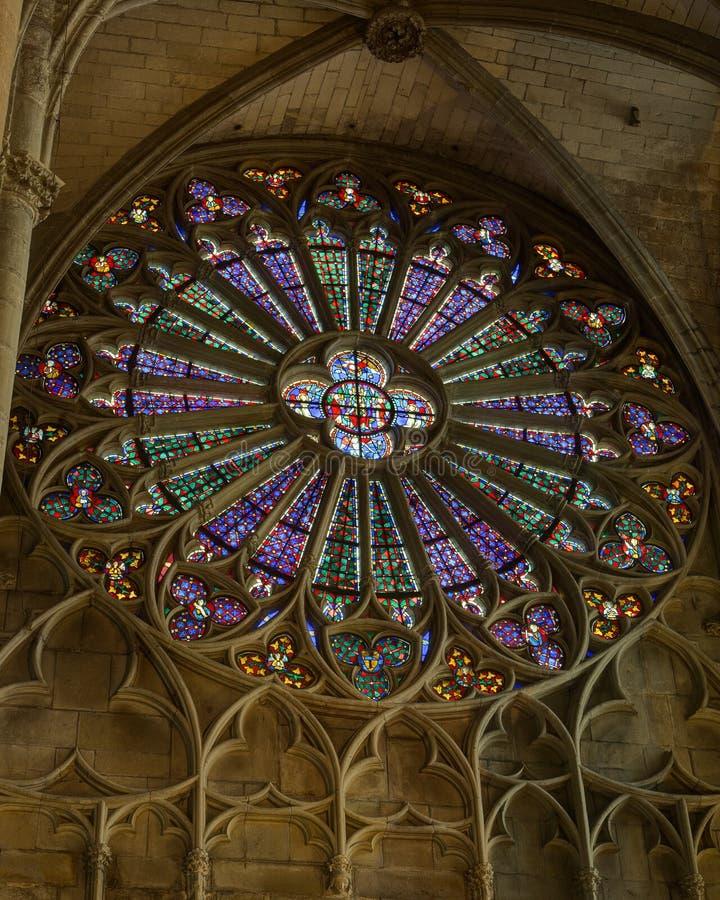 Ла dans Basilique Свят-Nazaire Ла цитирует de Каркассон - од & x28; France& x29; стоковые фото