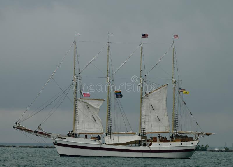 Левый борт высокорослого корабля ветреный стоковая фотография