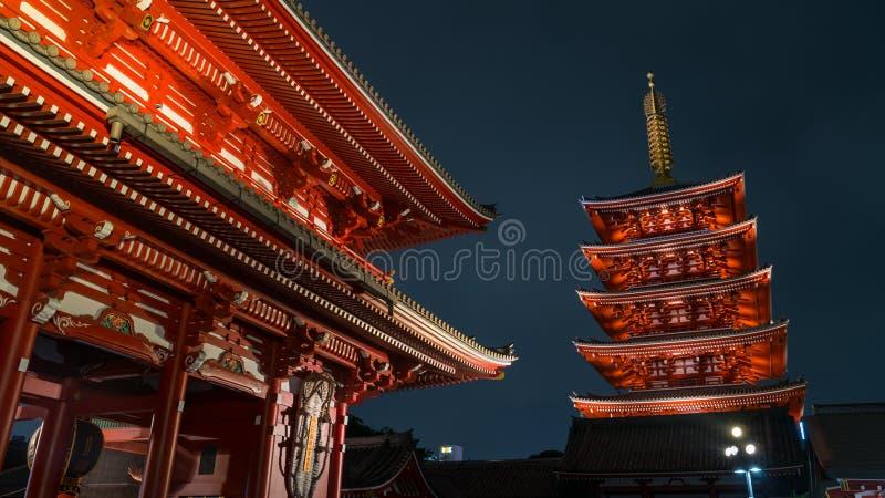Легендарная пагода 5 виска Senso-ji в Asakusa, токио, Японии стоковая фотография