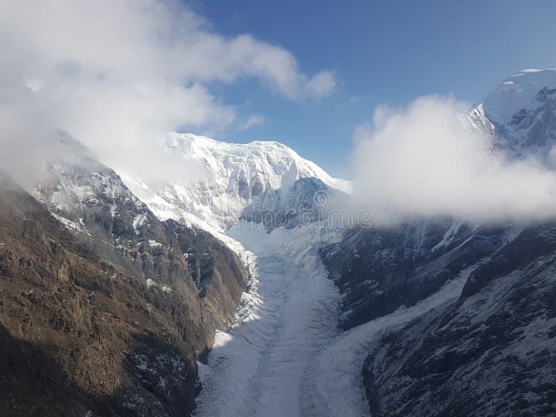 Ледники в горах стоковые изображения rf
