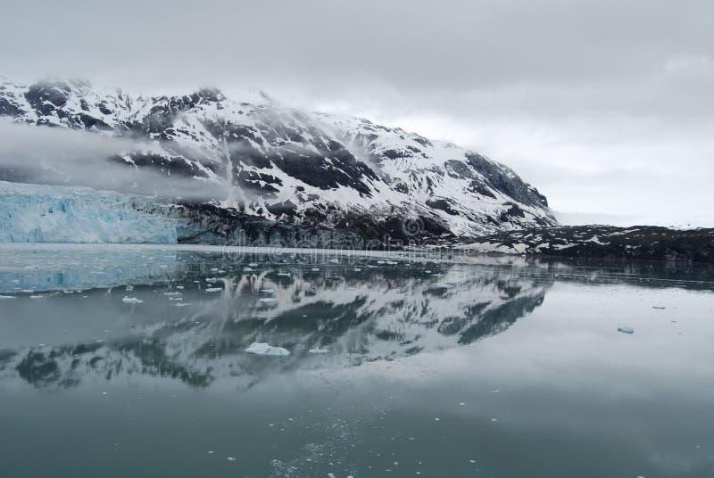 ледники отражают стоковая фотография rf