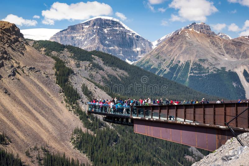 Ледник Skywalk в национальном парке яшмы, Альберте, Канаде стоковое изображение rf