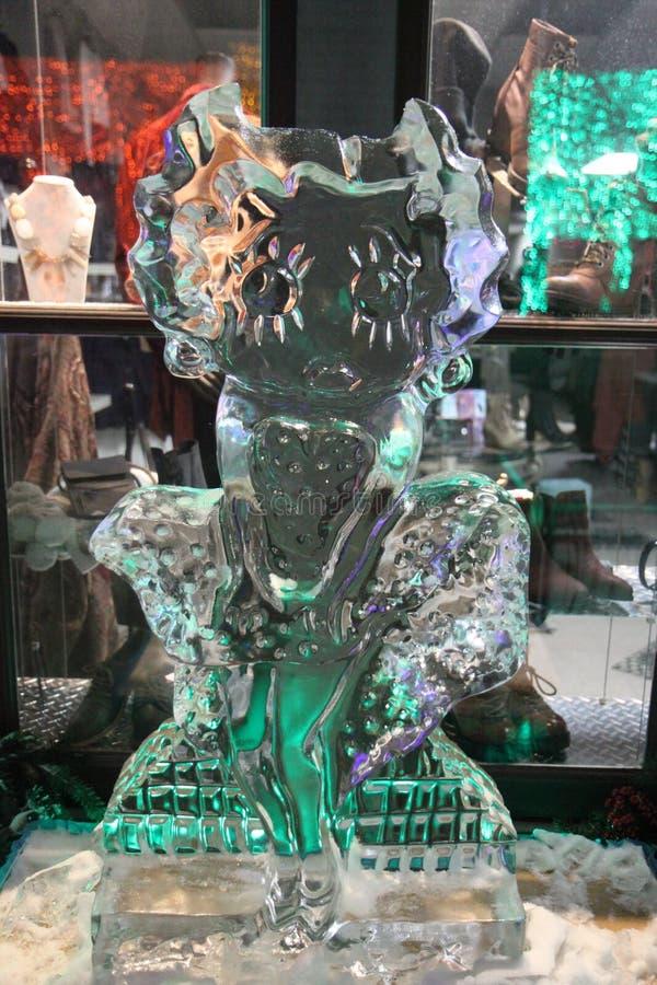 Ледяная скульптура Betty Boop в Rochester, Мичигане стоковое изображение