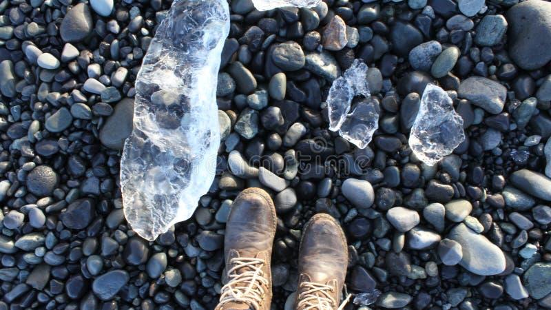 Ледяные кристаллы и камни стоковое фото rf