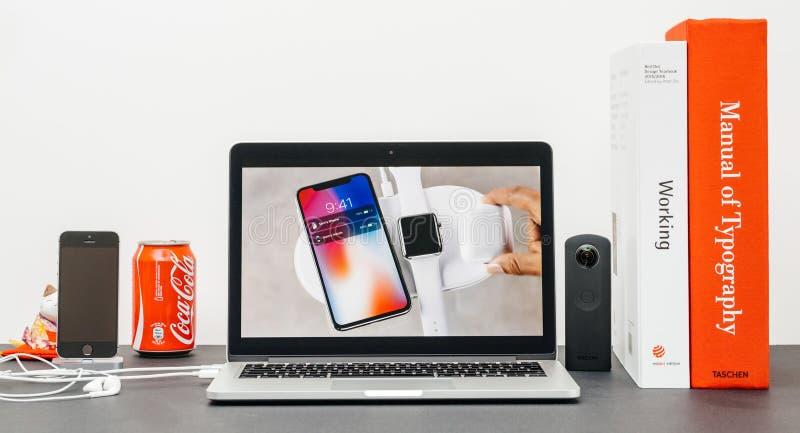 Лейтмотив Яблока с вводить iPhone x 10 стоковые изображения