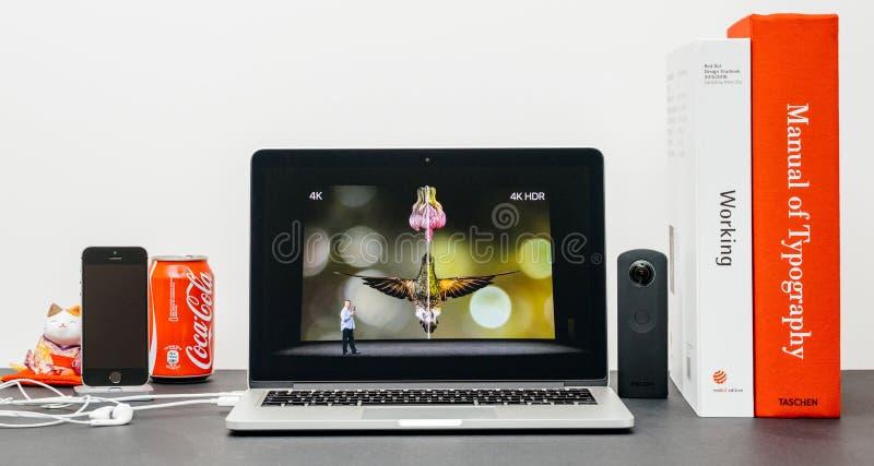 Лейтмотив Яблока с ТВ 4k сигнала и Яблока вихря против 4k HDR стоковая фотография rf