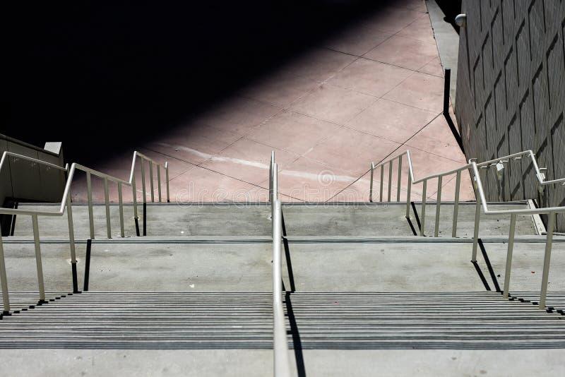 Лестница вниз стоковые изображения rf