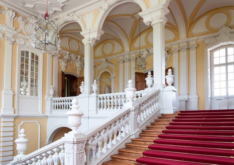 Лестница в дворце стоковое изображение