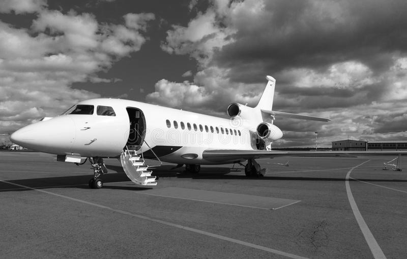 Лестница в частном самолете стоковые фото