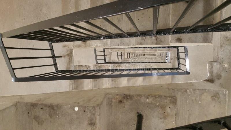 Лестница к дну стоковые фото