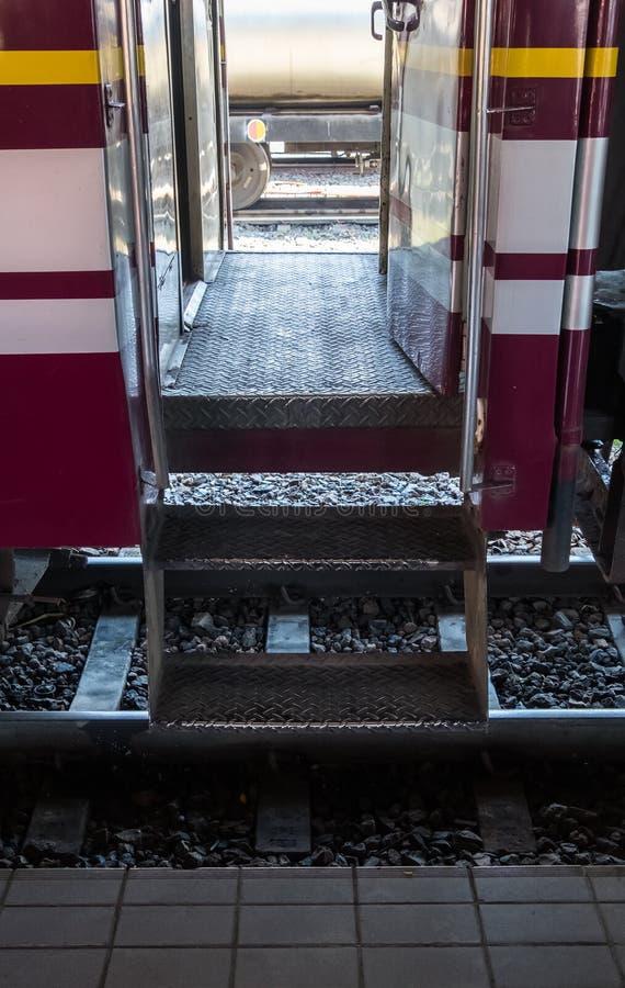 Лестница металла пассажирского автомобиля стоковое фото
