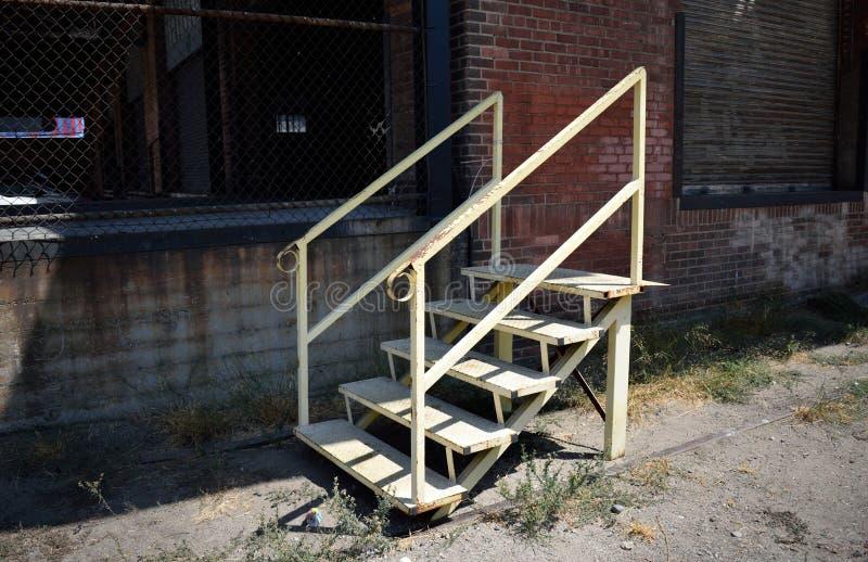 Лестница около склада стоковое изображение