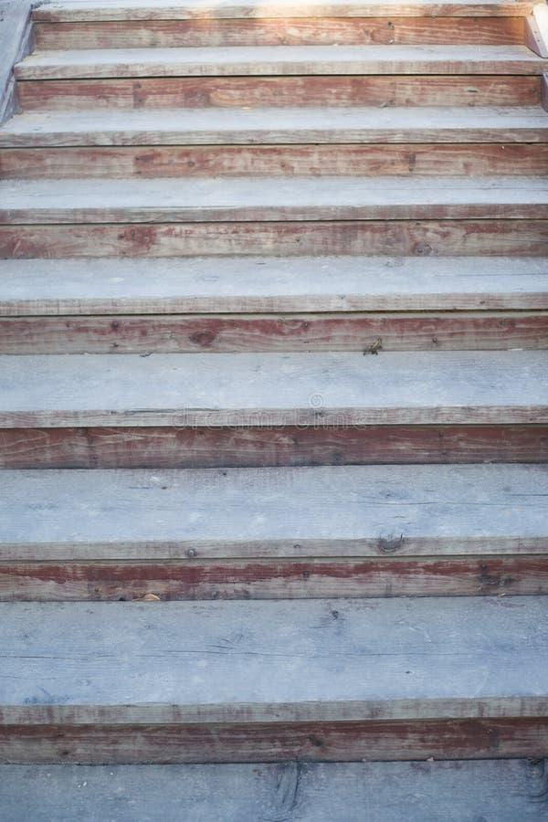 лестницы деревянные стоковые изображения rf