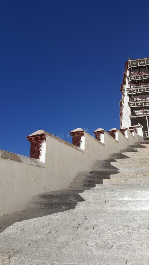 Лестницы к спокойствию стоковое фото rf
