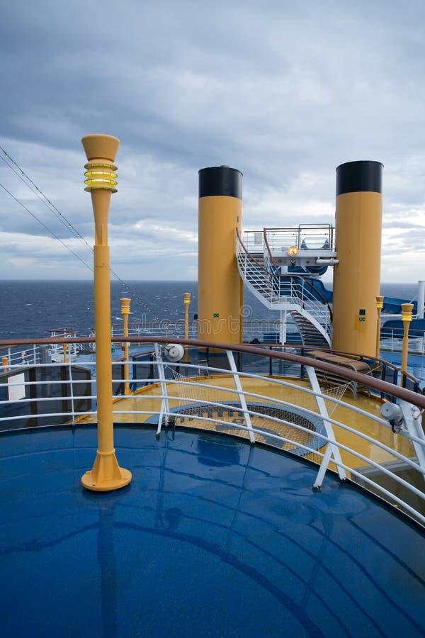 Лестницы на палубе туристического судна стоковое фото rf